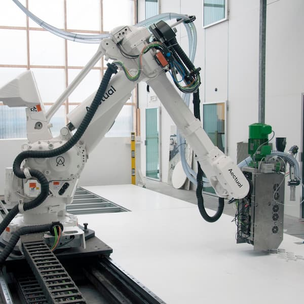 3 reasons why industrial manufacturing robots are important